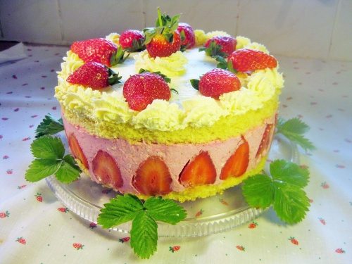 strawberry mousse gateau recipe