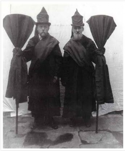 Victorian Professional Mourners c1800. From about 1600 to 1914, funeral mutes were professional mourners. Symbolic protectors of the deceased, the mute would usually stand near the door of the home or church.