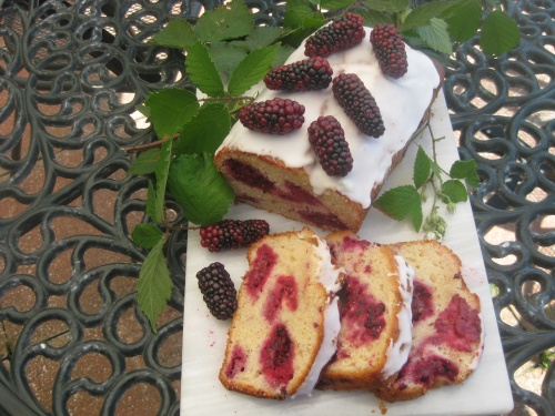BLACKBERRY  AND  YOGHURT  LOAF recipe